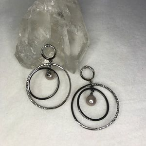 Vince Camuto hematite grey double circle earrings